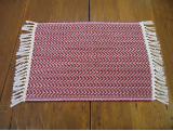RED AND NATURAL HONEYCOMB PLACEMAT